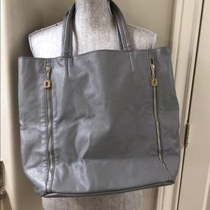 Bags - Swarovski Crystal skull bag